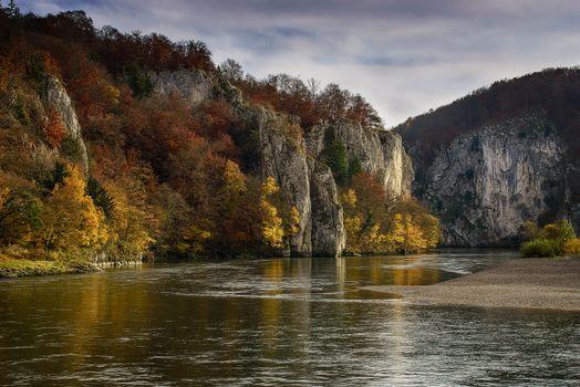 Бесплатные фото Дунайский прорыв,Кельхайм Bavaria,Кельхайм,Германия,горы,осень,река,деревья,пейзаж