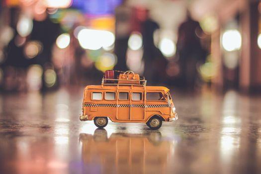Фото бесплатно игрушка, фургон, аэропорт