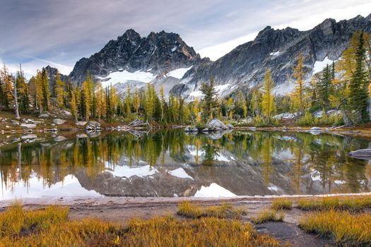 Фото бесплатно Horseshoe Lake, Альпийское озеро, горы