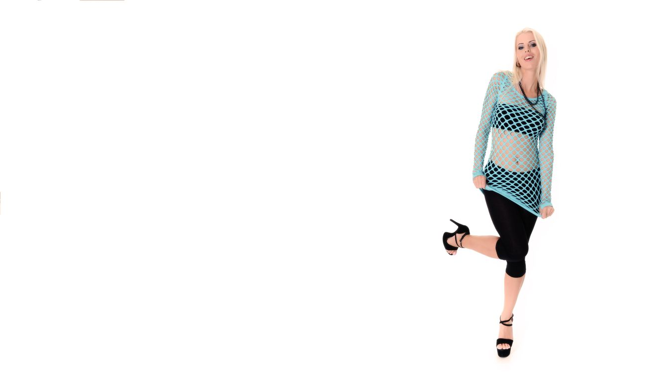 Free photo lynna nilsson, brassiere, black trousers, fisnet, smile, blonde, bra - to desktop