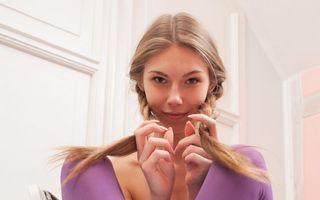 Фото бесплатно anjelica, abbie, чулки, фиолетовые чулки, stockings, purple stockings