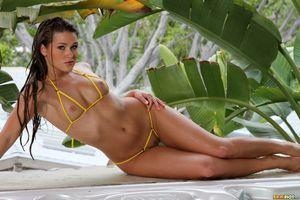Заставки Abby Cross,модель,красотка,голая,голая девушка,обнаженная девушка,позы