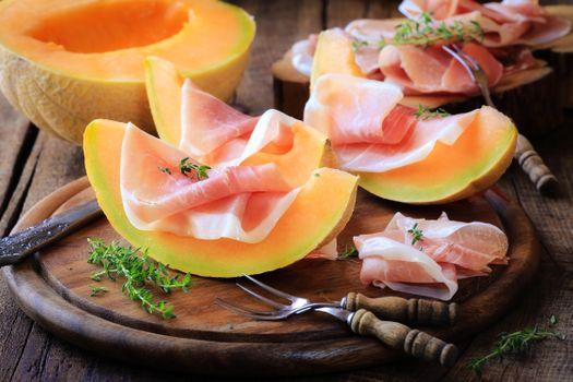 Photo free meat, melon, jamon
