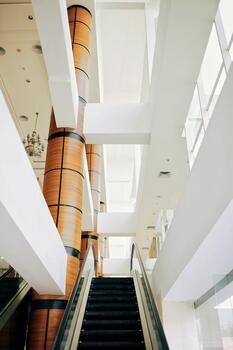 Фото бесплатно оформление интерьера, столбцы, лестницы