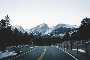 Фото бесплатно горы, дорога, маркировка
