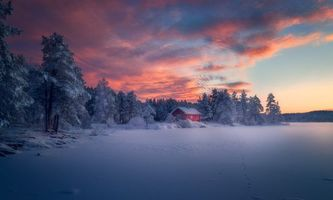 Домик на берегу в Норвегии