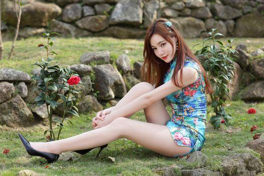 Photo free stilettos, girls legs, sit