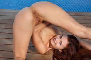 Бесплатные фото Berenice,модель,красотка,голая,голая девушка,обнаженная девушка,позы
