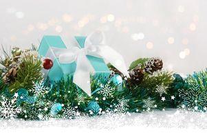Обои праздник, декор, подарки, шишки,