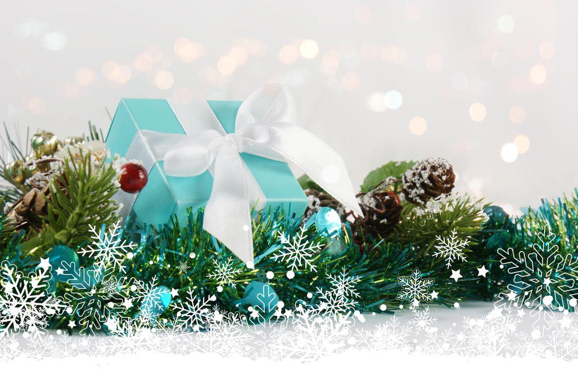 Фото бесплатно праздник, декор, подарки, шишки, , новый год