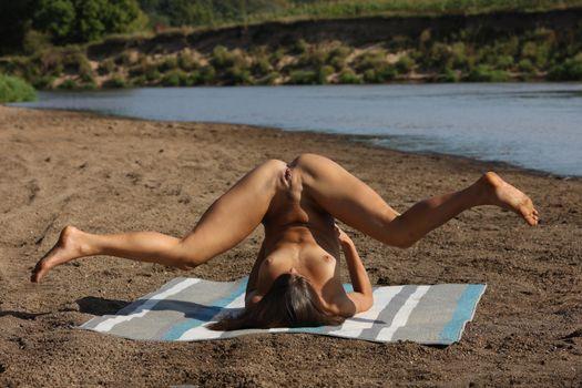 Фото бесплатно Валентина Колесникова, голая, поза