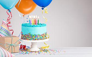 Фото бесплатно десерт, шарики, день рождения