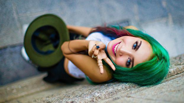Фото бесплатно зелёные волосы, модель, голубые глаза
