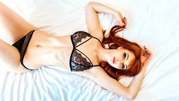 Photo free model, red, long hair