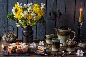 Бесплатные фото цветы,чайник,свеча,торт,натюрморт