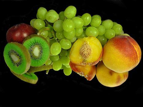 Заставки персики, виноград, киви