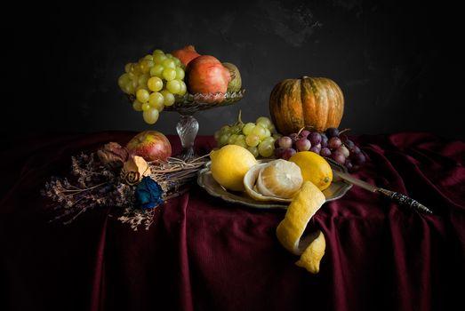 Фото бесплатно стол, фрукты, гранат