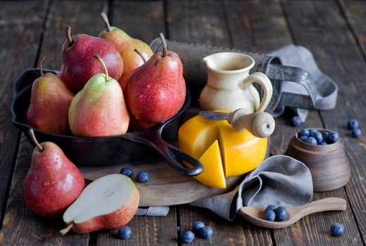 Photo free pears, cheese, fruit