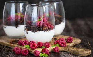 Бесплатные фото десерт,мороженое,шоколад,ягоды,малина