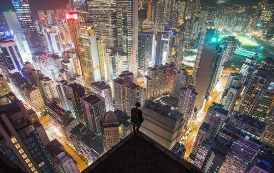 Заставки небоскребы, человек, ночь
