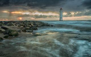 Фото бесплатно Маяк, океан, скалы