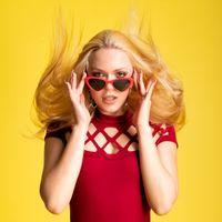 Фото бесплатно женщина, блондинка, руки
