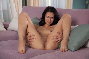 Бесплатные фото Laina,модель,красотка,голая,голая девушка,обнаженная девушкаLaina,обнаженная девушка