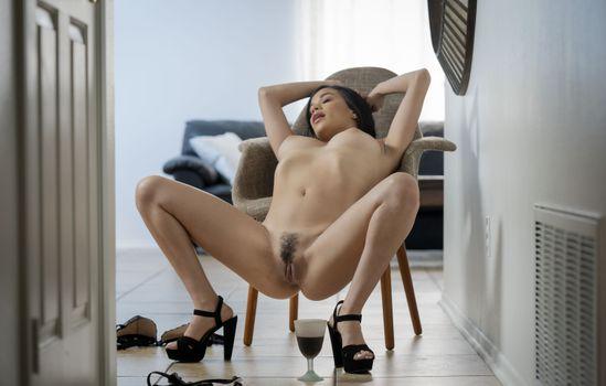 Фото бесплатно большие груди, Саванна Сикс, slinder
