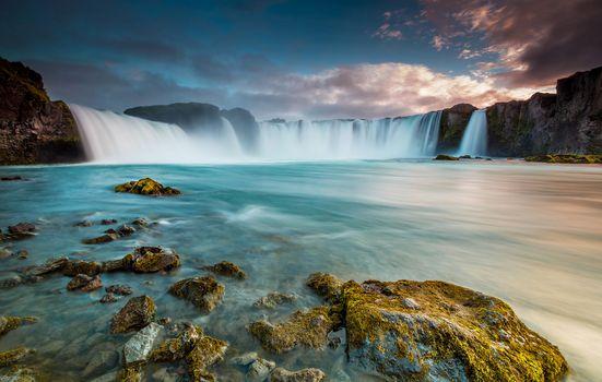 Заставки широкий водопад, течение, скалы