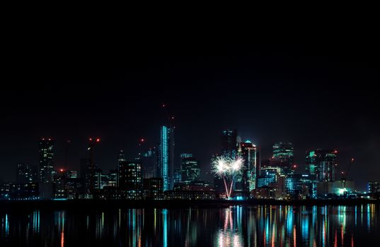 Photo free fireworks, cityscape, night