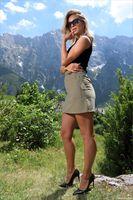 Photo free real girls, Cara Mell, blonde girl legs