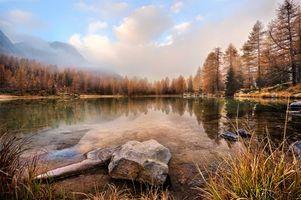 Splash mountain, lake