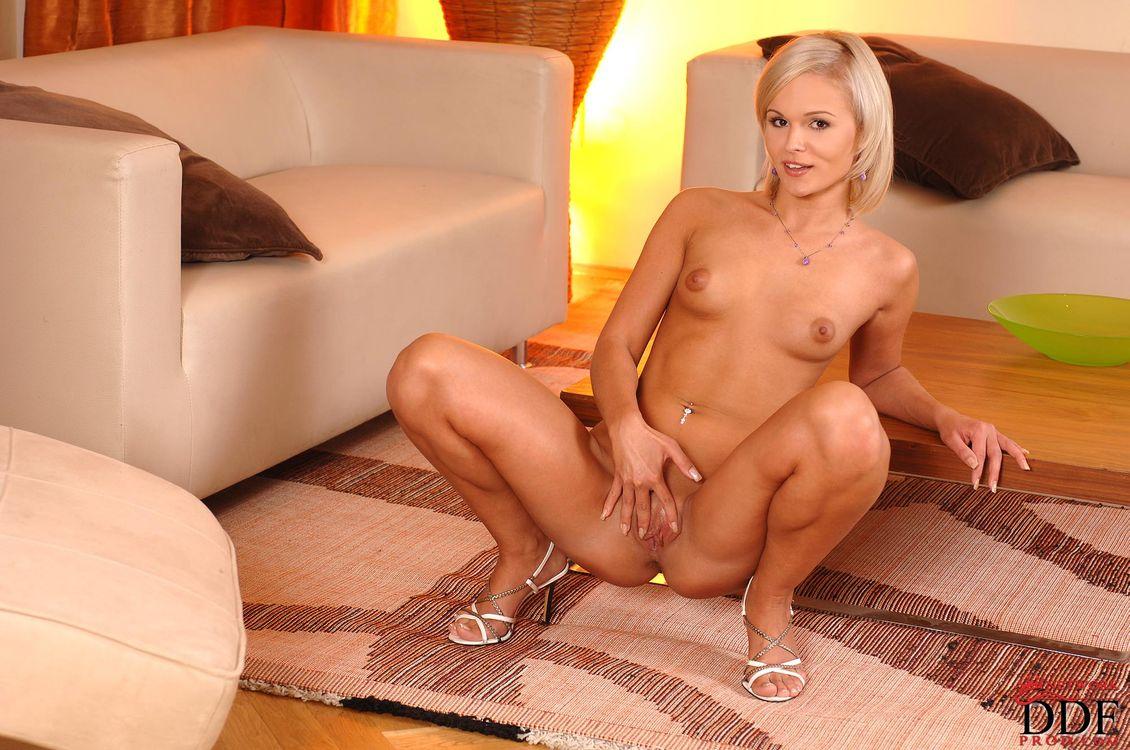 Фото бесплатно Jessica Bee, Annie, Collette, Gia C, Jessica B, модель, красотка, голая, голая девушка, обнаженная девушка, позы, поза, сексуальная девушка, эротика, эротика